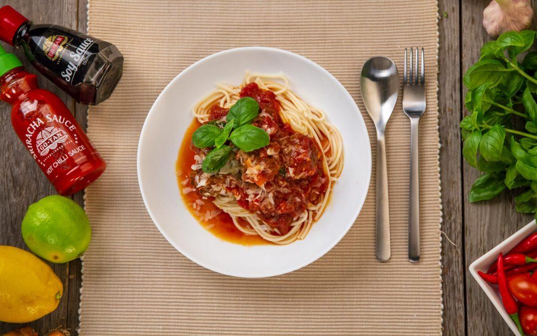 Spicy kjøttboller i tomatsaus
